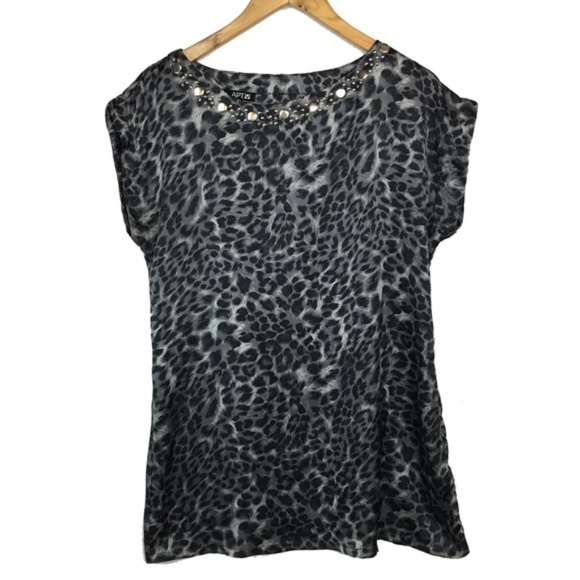 d9817d79324 Apt. 9 Tops | Final Price Apt 9 Animal Print Embellished Tunic ...